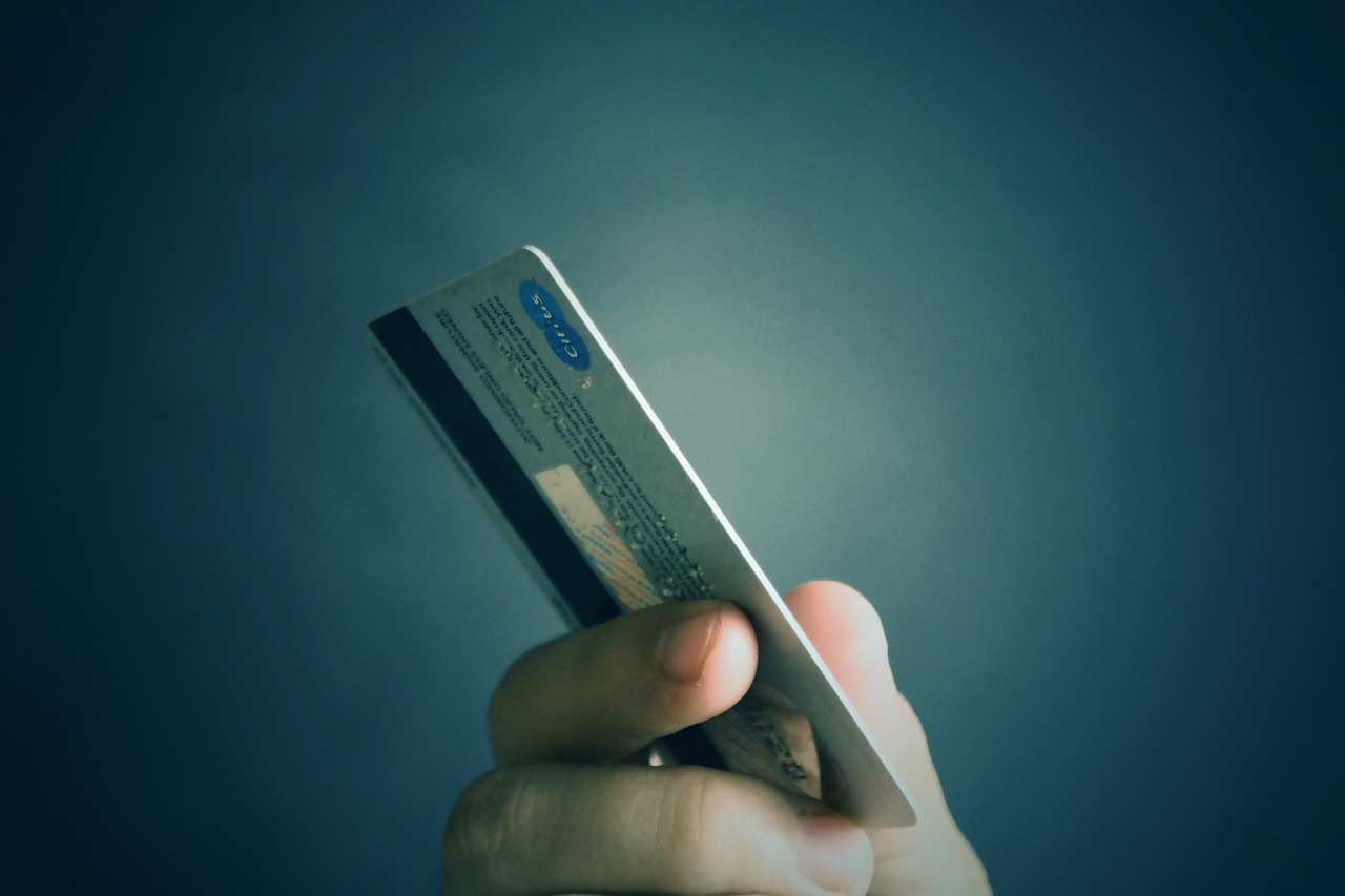 4 differences between a Wallet and a bank account